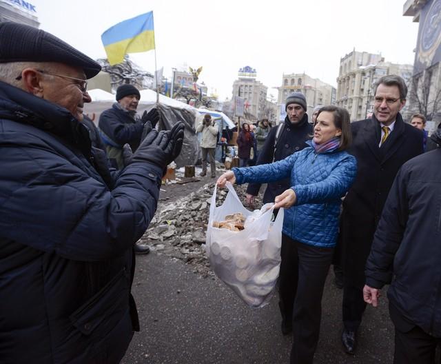 Об Украине – цинично, без прикрас, без морализаторства, по фактам.. Что происходит на Украине на мой взгляд. Друзья и враги Украины. Чего ждать в дальнейшем