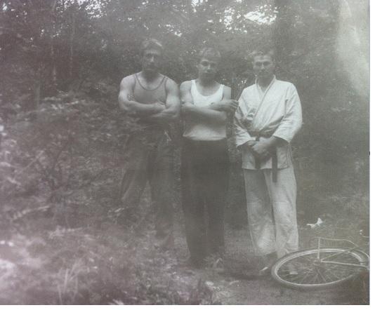 Павел Дартс. Тренировка в лесу