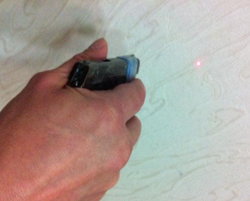 Пистолет с лазером для тренировки
